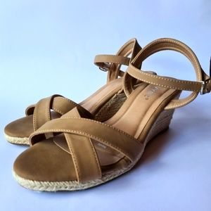 Vybe Nordic Tan Strappy Espadrille Wedges Shoes Size 9
